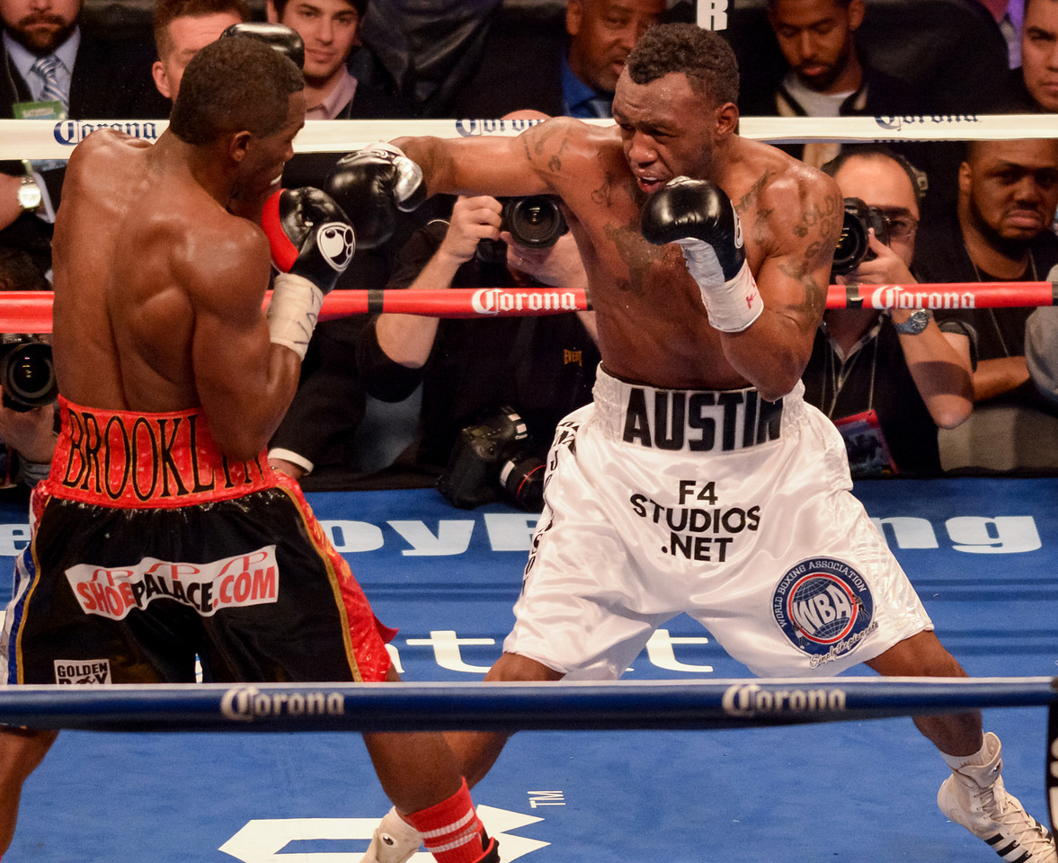Erislandy Lara vs Austin Trout
